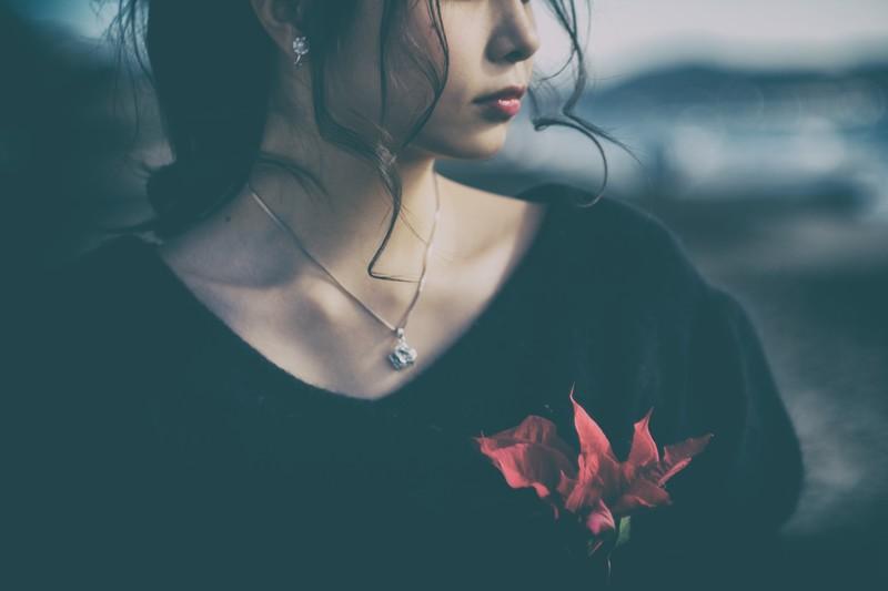 「不幸好き」女子って実は生命力強くてとても強欲かも