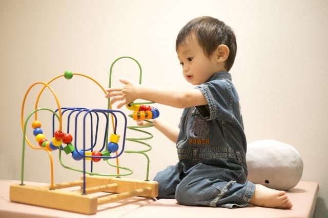 ミニマリストママはおもちゃを増やさず「入れ替える」